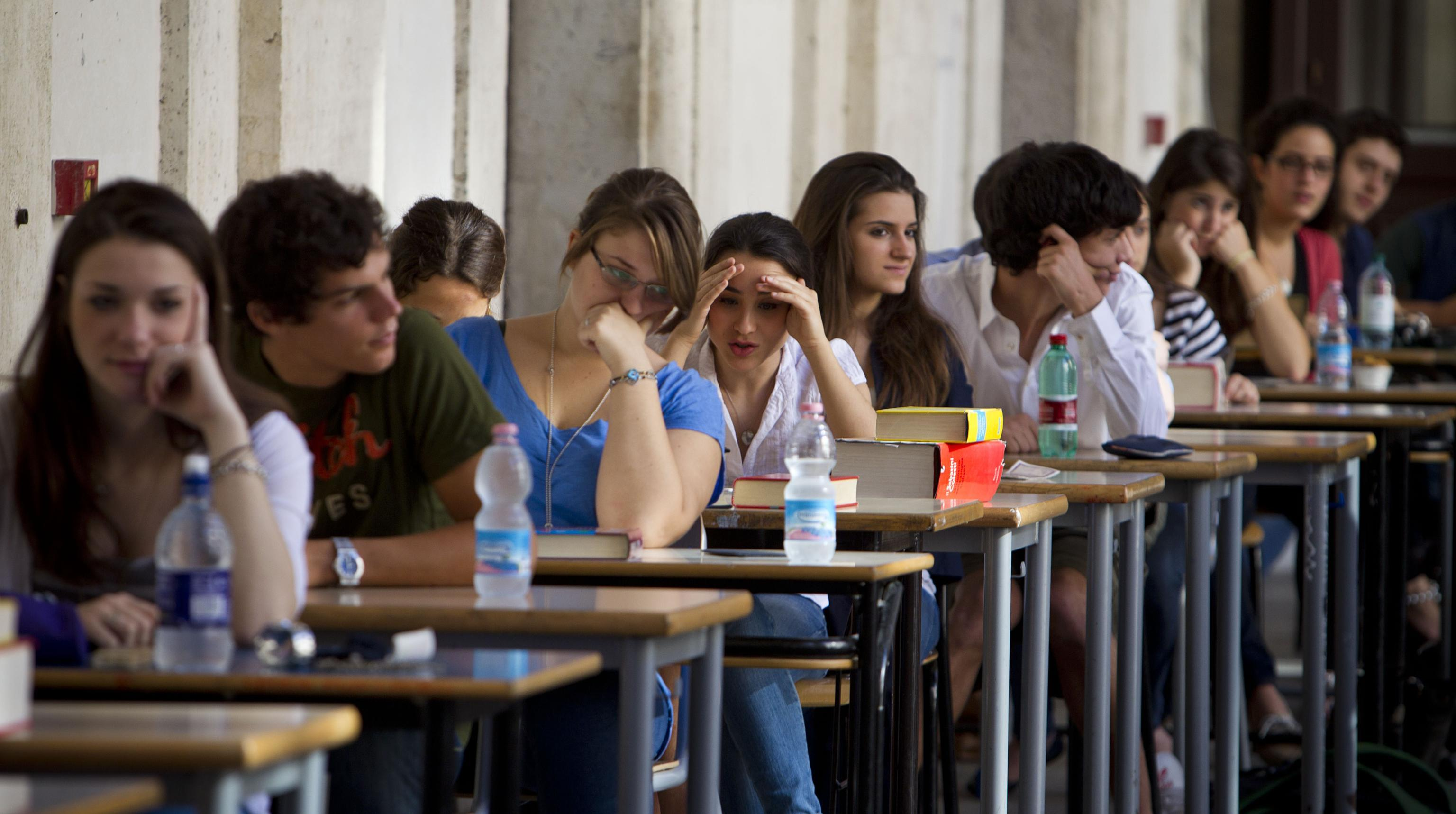 Mattarella, Rai1, la scuola e la Clerici