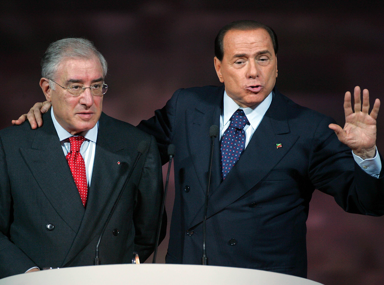 Inchiesta sulla trattativa Stato - mafia: spuntano i nomi di Berlusconi e Dell'Utri