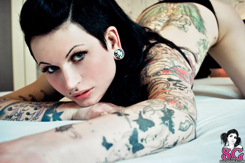 dutch - Photo Album Gallery | SuicideGirls