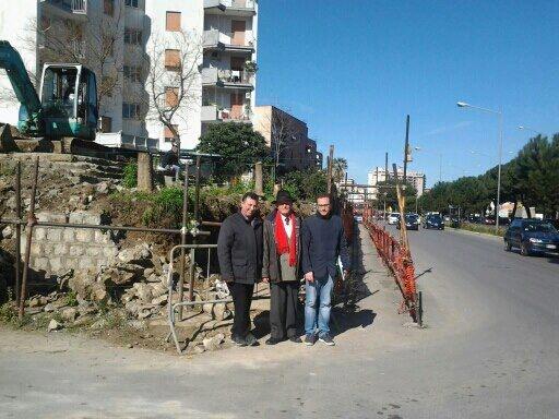 Muro a rischio crollo iniziati i lavori di manutenzione for Lavori di manutenzione straordinaria
