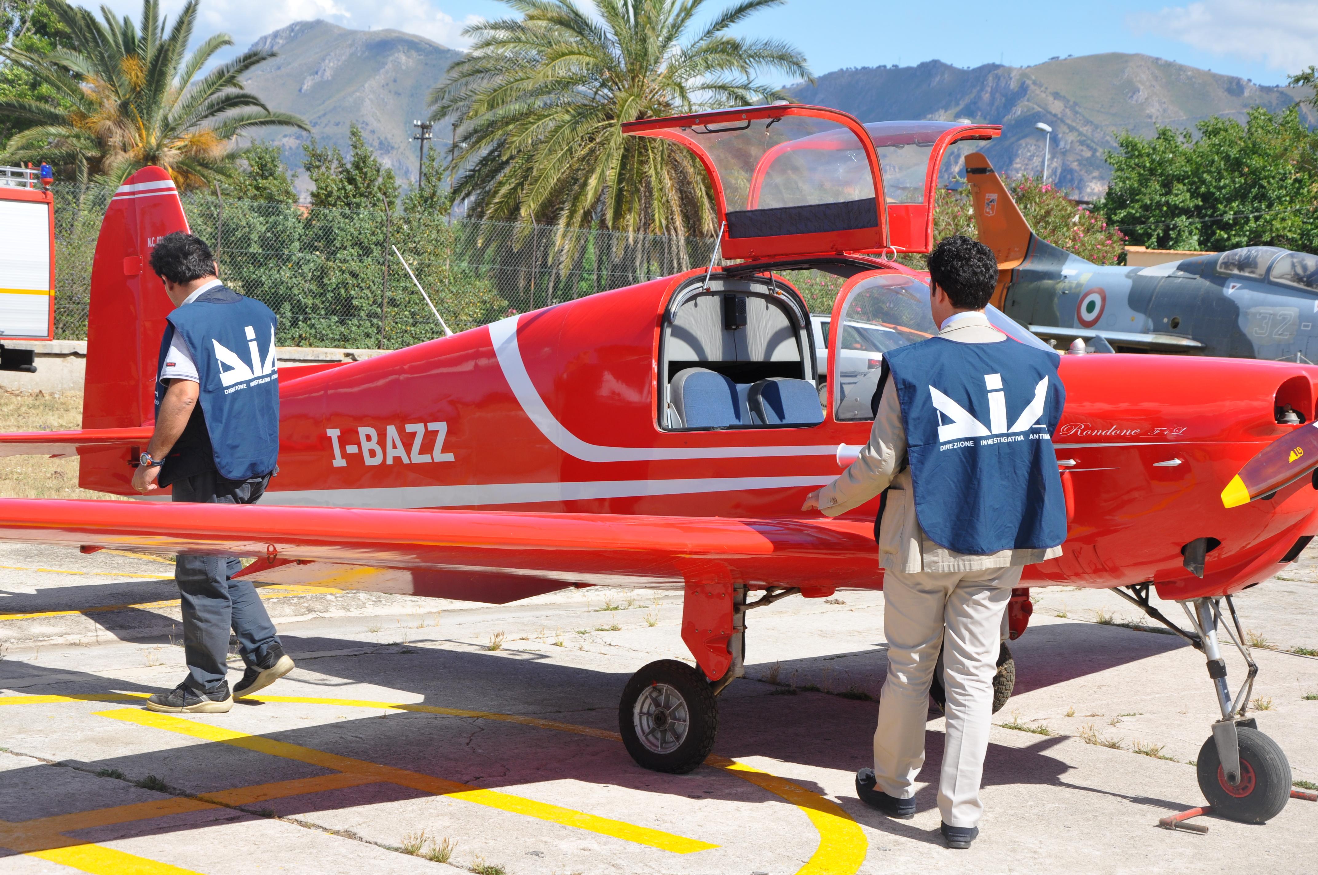 Aereo Privato Palermo : Dal racket delle tombe all aereo privato storia di una