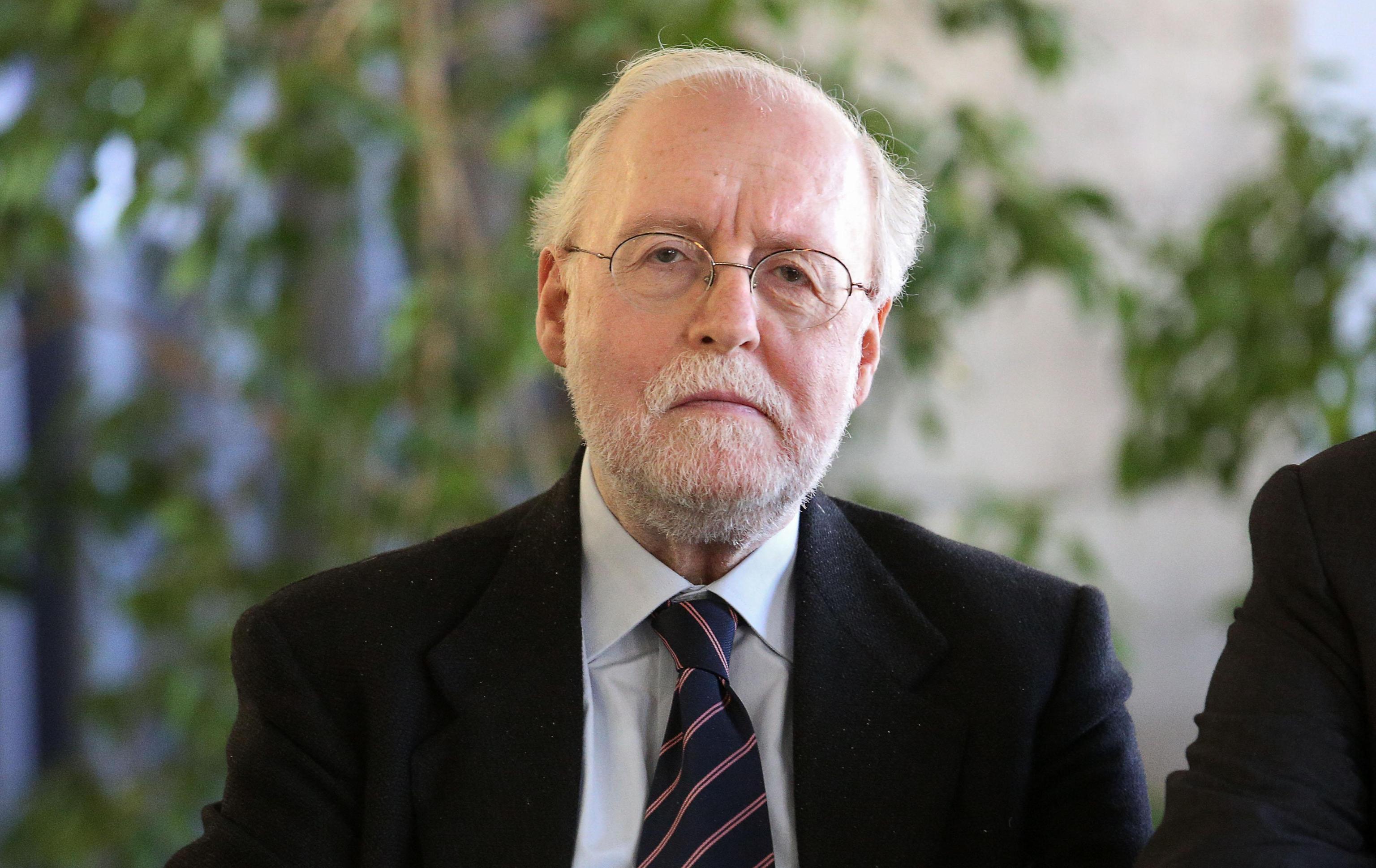Nuovo presidente della consulta il pattese gaetano for Nuovo parlamento siciliano