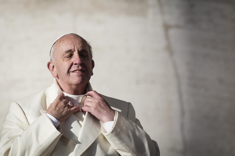Papa Francesco arriva a Catania: atterraggio a Sigonella