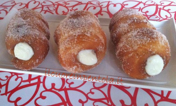 Ricette dolci come fare i veri cartocci siciliani live for Ricette dolci siciliani