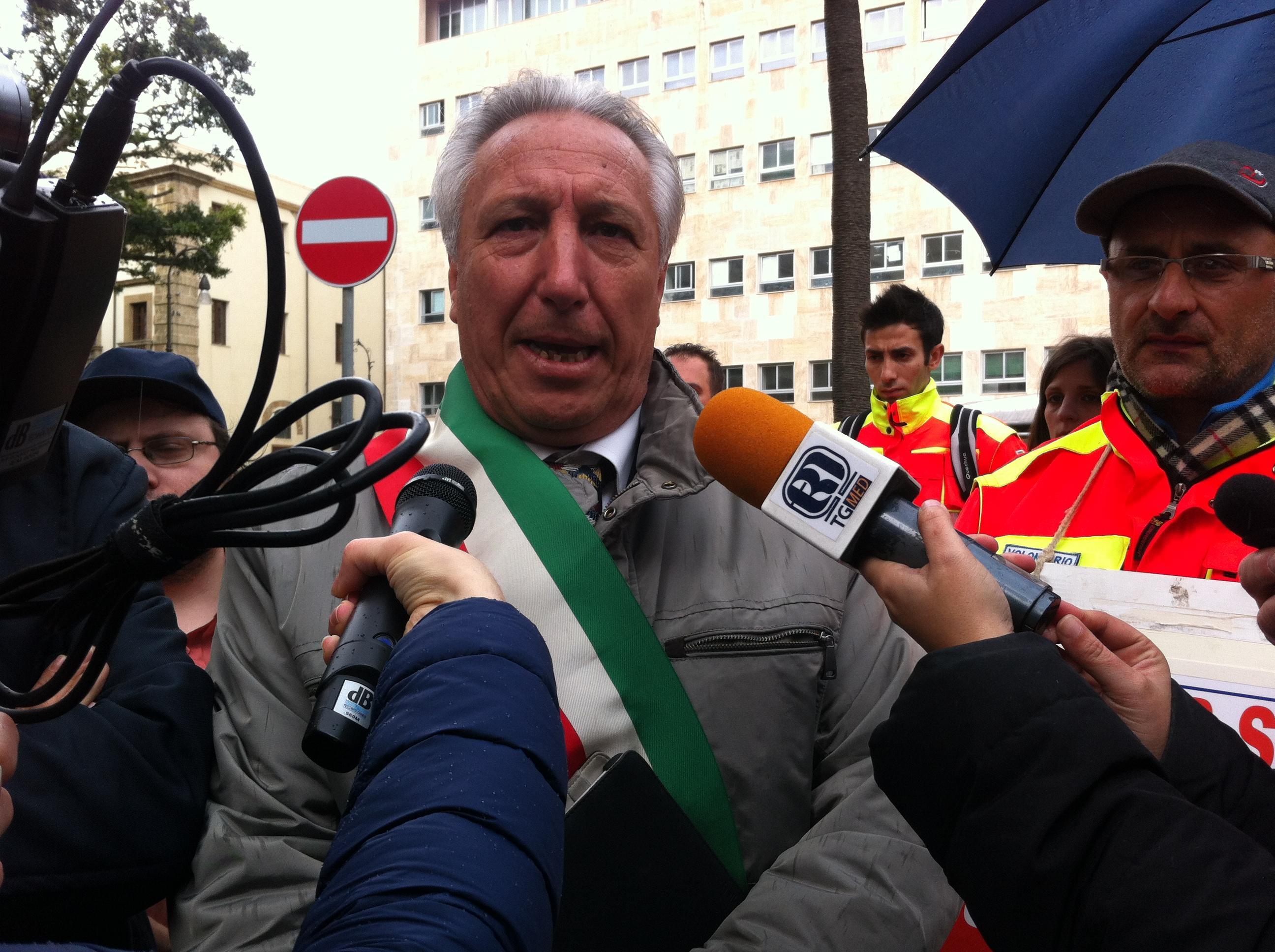 Il sindaco di Niscemi, Francesco La Rosa (livesicilia.it)