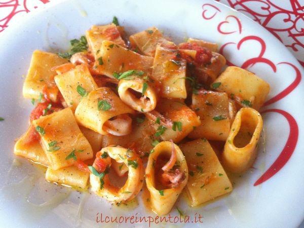Ricetta del giorno calamarata live sicilia for Piatto della cucina povera