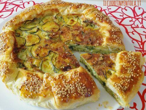 La ricetta del giorno che Live Sicilia vi propone oggi è un\u0027altra ricetta  con la pasta sfoglia una torta salata di pasta sfoglie con zucchine.