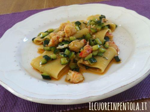 Ricetta pasta code di gamberi e zucchine