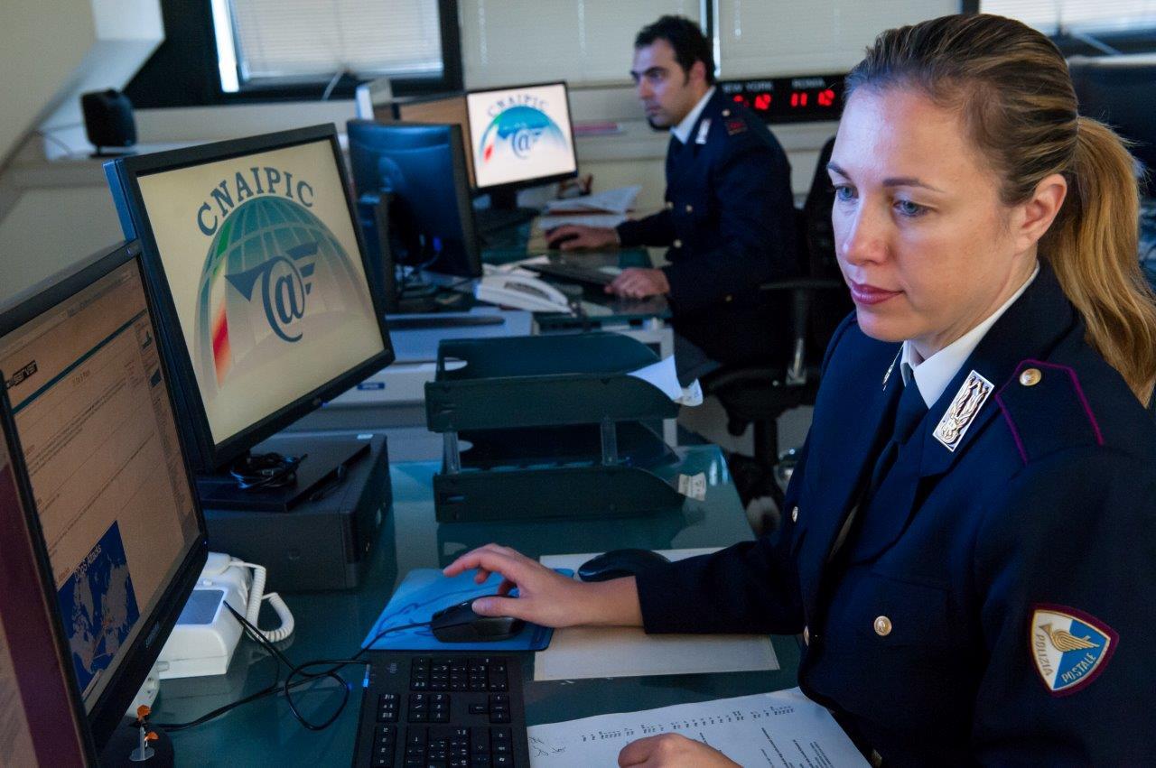 Palermo, diffondeva in rete immagini pedopornografiche: due arresti$