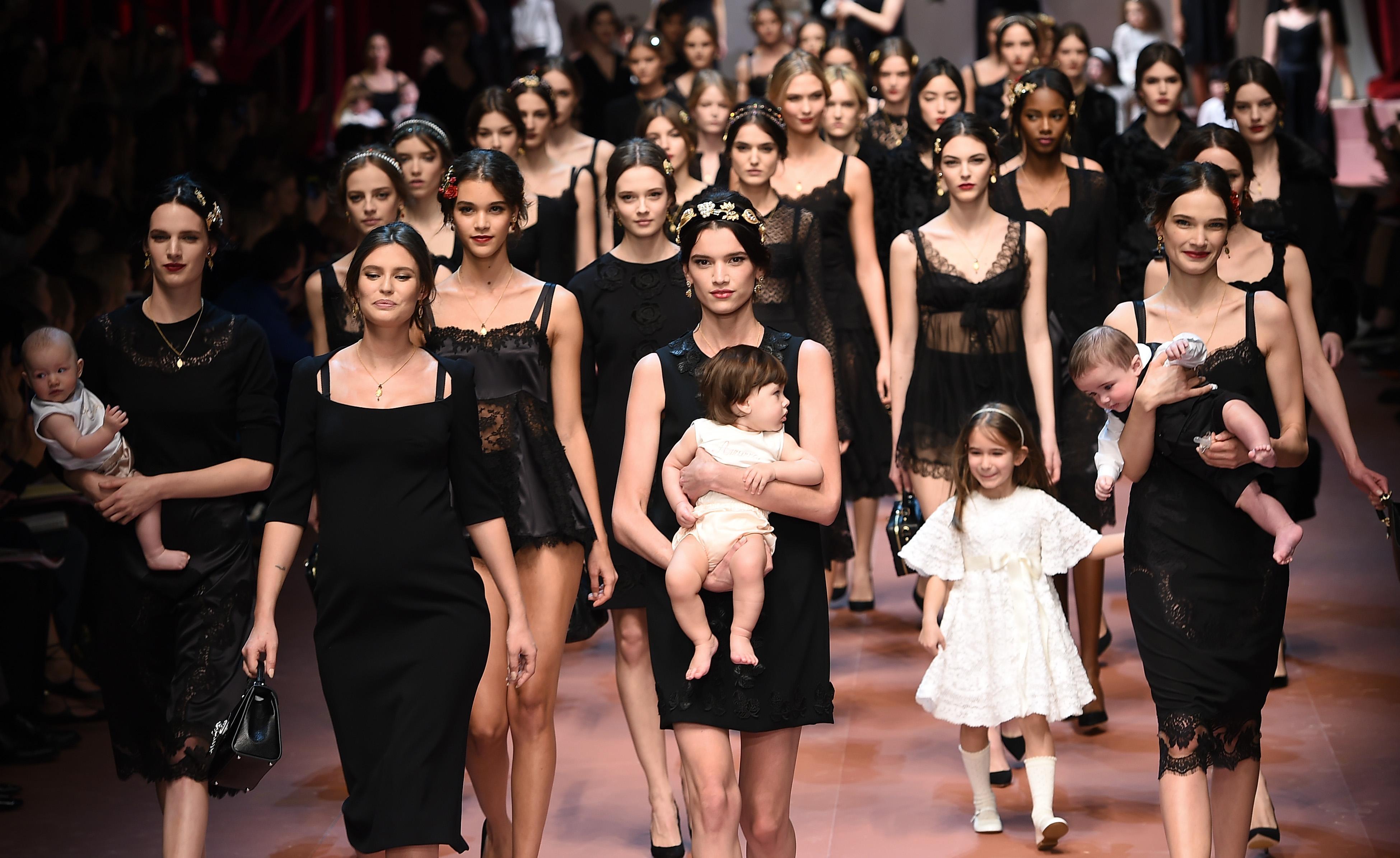 Una sfilata di  Dolce e Gabbana  05d48b8545c