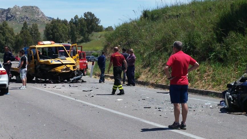 Scontro mortale sulla Palermo-Agrigento tra moto e tir$