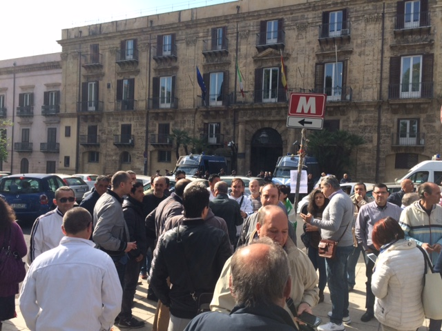Ufficio Collocamento A Palermo : Leterna toppa della resais si riapre lera delle maxi infornate