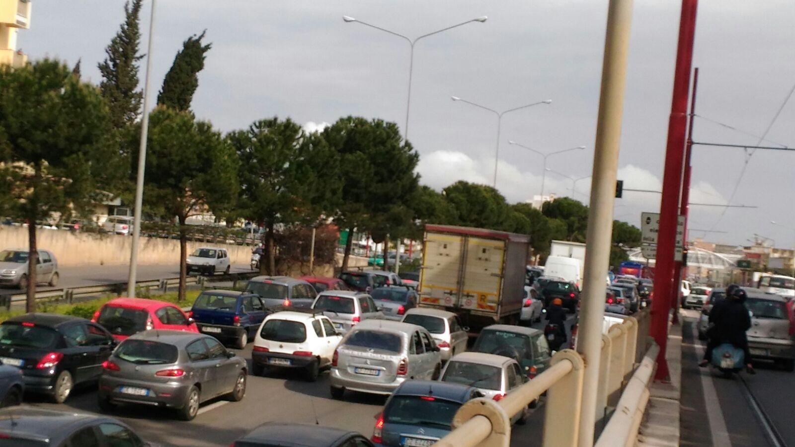 Viale Regione Siciliana in tilt per incidenti in mattinata 8cbe2d6dc8ae