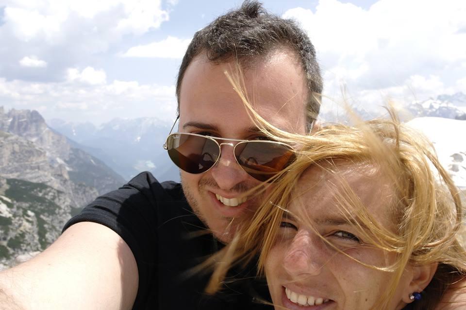 Accoltella moglie e si uccide, tragedia nella notte a Firenze