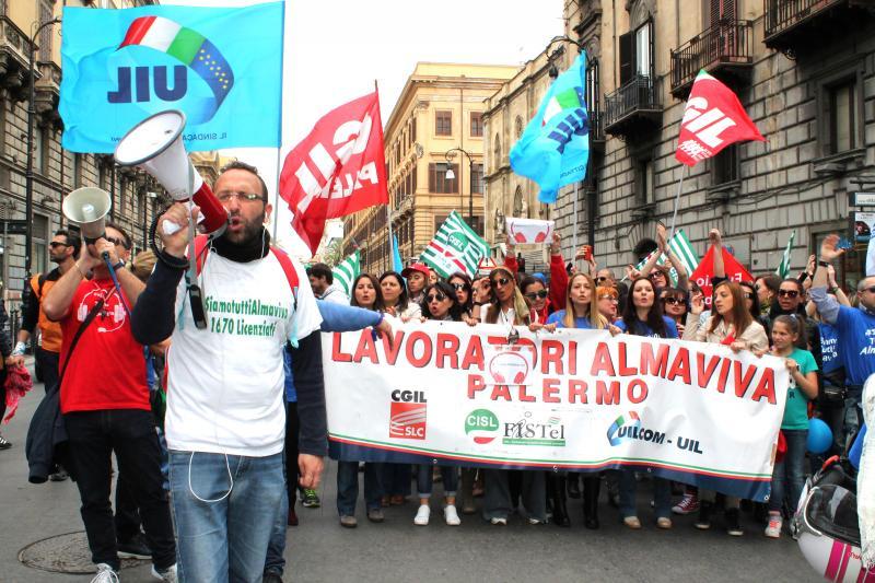 almaviva-protesta-lavoratori-palermo.jpg (800×533)