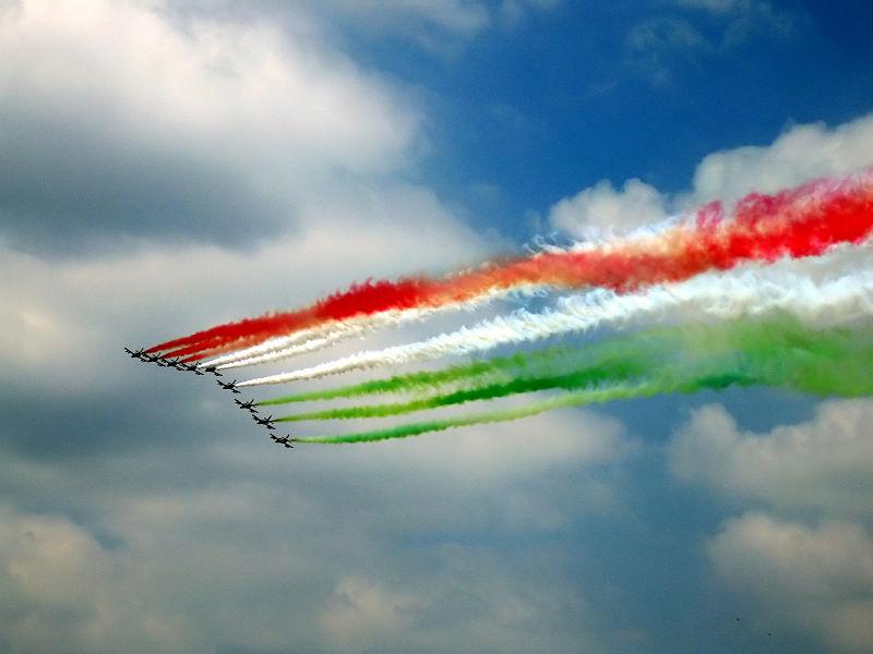 Festa_della_republica-_con_frecce_tricolori.jpg (800×600)