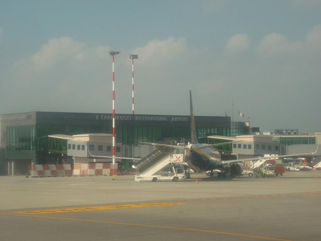 l 11 di bergamo airport - photo#1