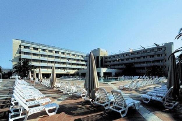 Venduto l 39 hotel di torre macauda l 39 acquisto per 8 milioni - Immobiliare sciacca ...