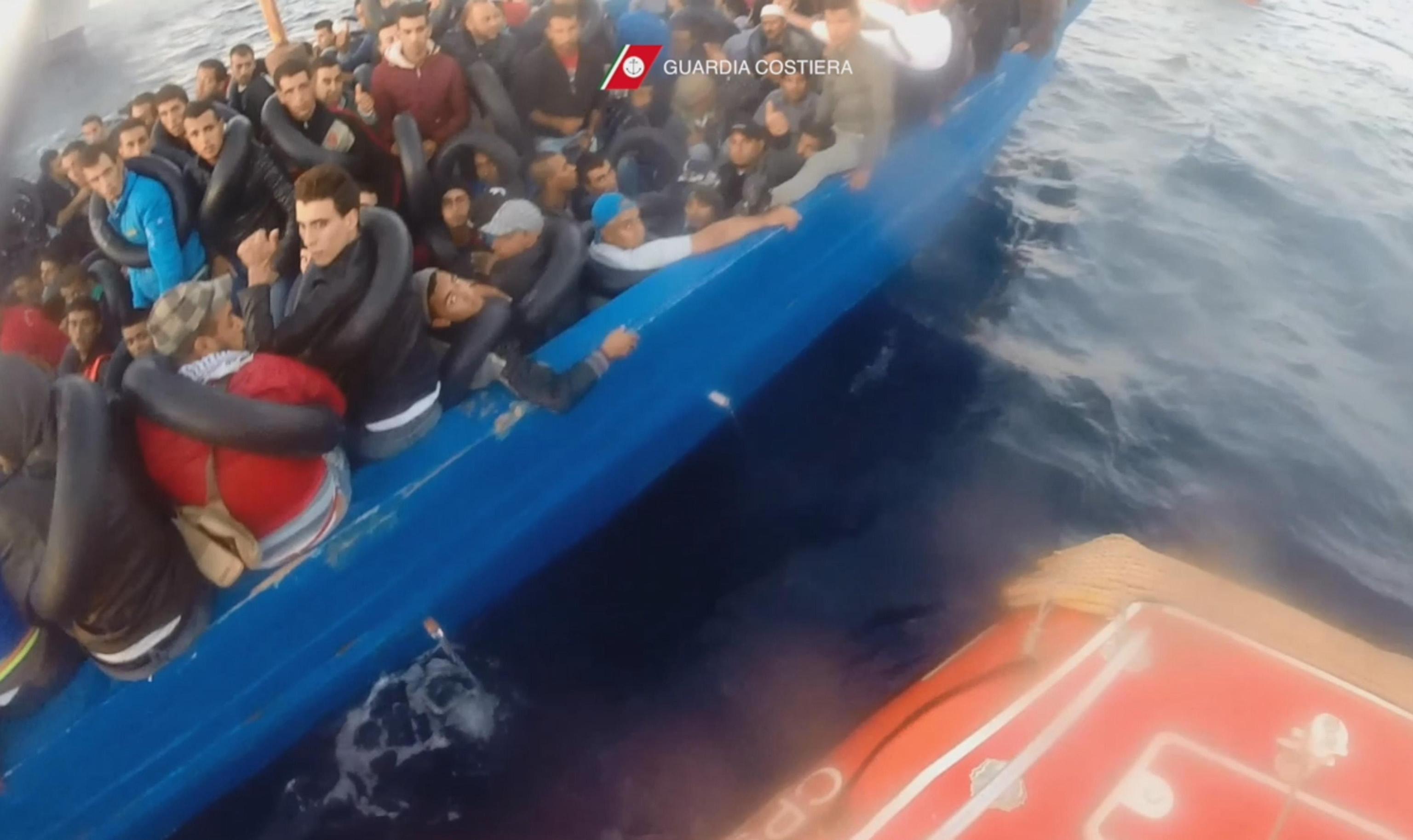 Fermati sei scafisti a Palermo: il capitano al timone ha 17 anni