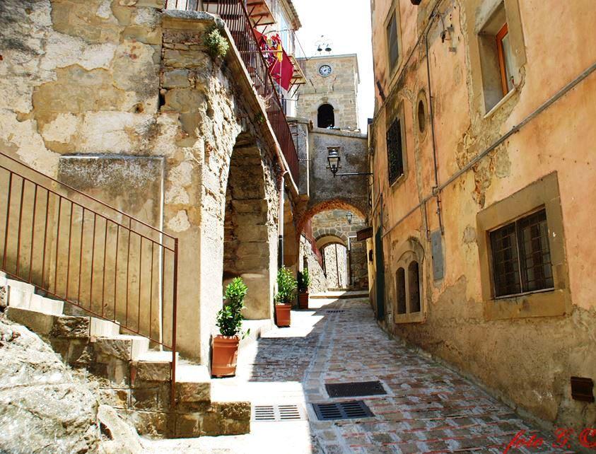Troina alloggi popolari nelle vecchie case live sicilia for Affitti catania privati non arredati