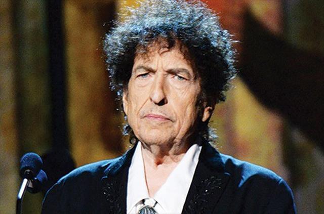 Nobel, applausi per Bob Dylan assente
