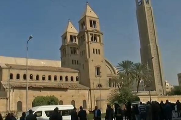 Esplosione vicino alla cattedrale copta del Cairo, i morti sono 25
