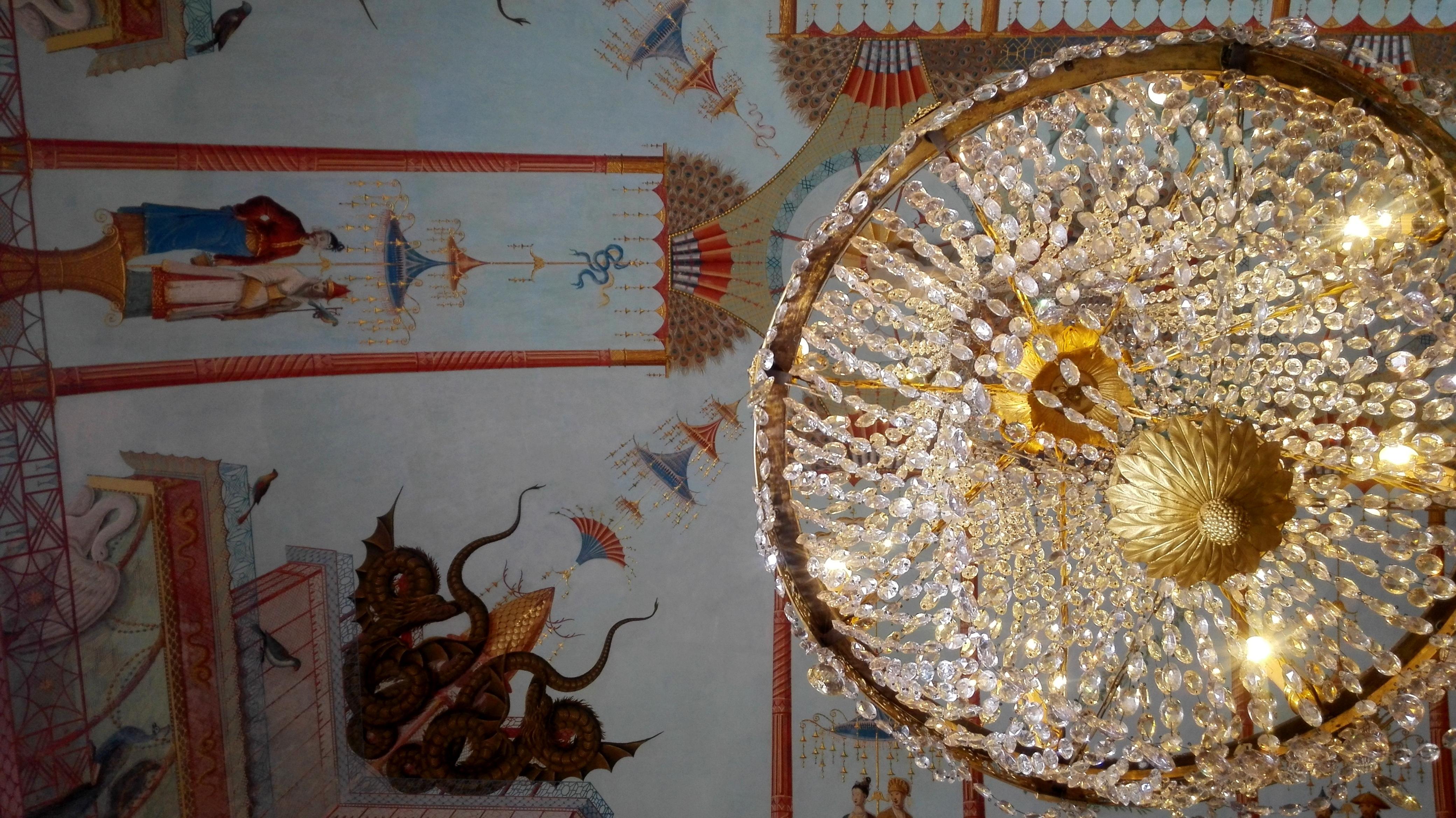 Tornano a splendere i lampadari della Palazzina Cinese - Live Sicilia