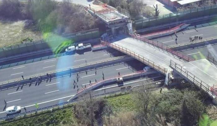 Ponte crollato in A14, due ipotesi per spiegare il disastro