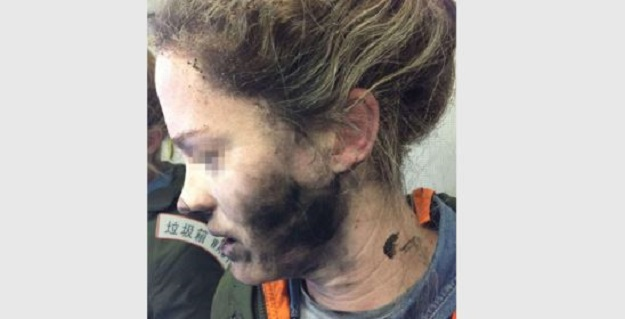 Auricolari esplodono in volo, ferita un'australiana