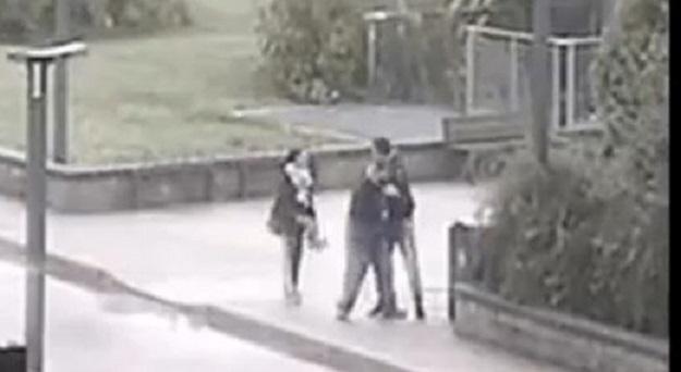 Monza, lo picchiano per un debito di droga: il #video li incastra