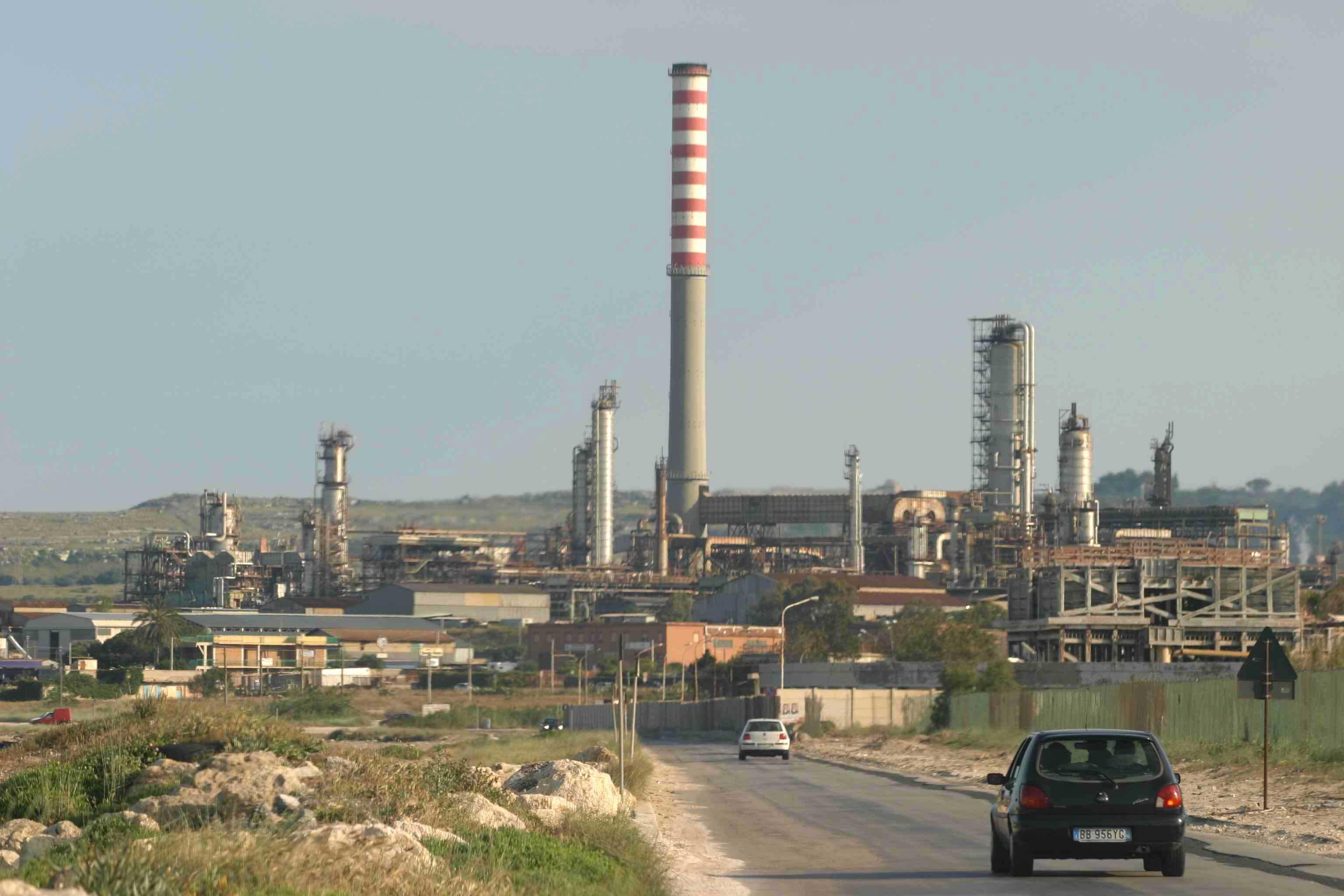 A Sonatrach il polo petrolchimico Esso di Priolo Gargallo