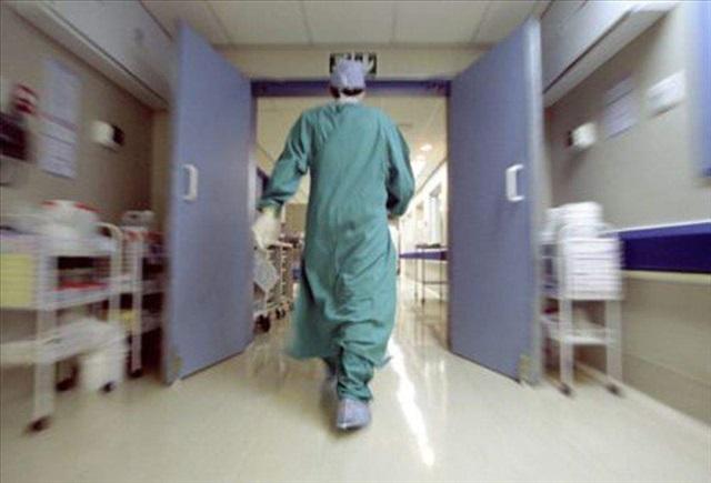Cagliari, entra in coma dopo aver partorito due gemelli