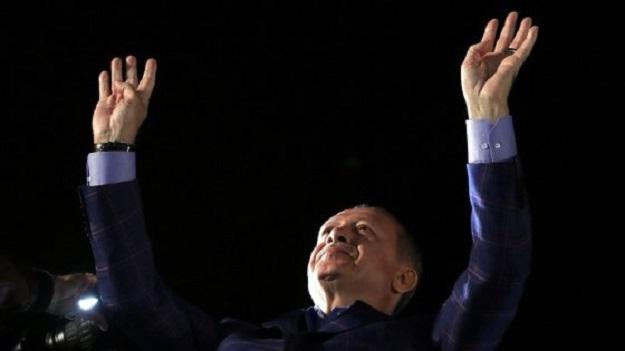 Turchia: a Istanbul ancora in piazza per contestare il referendum