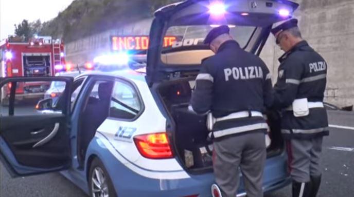 Incidenti: auto si ribalta sulla 280, un morto e due feriti