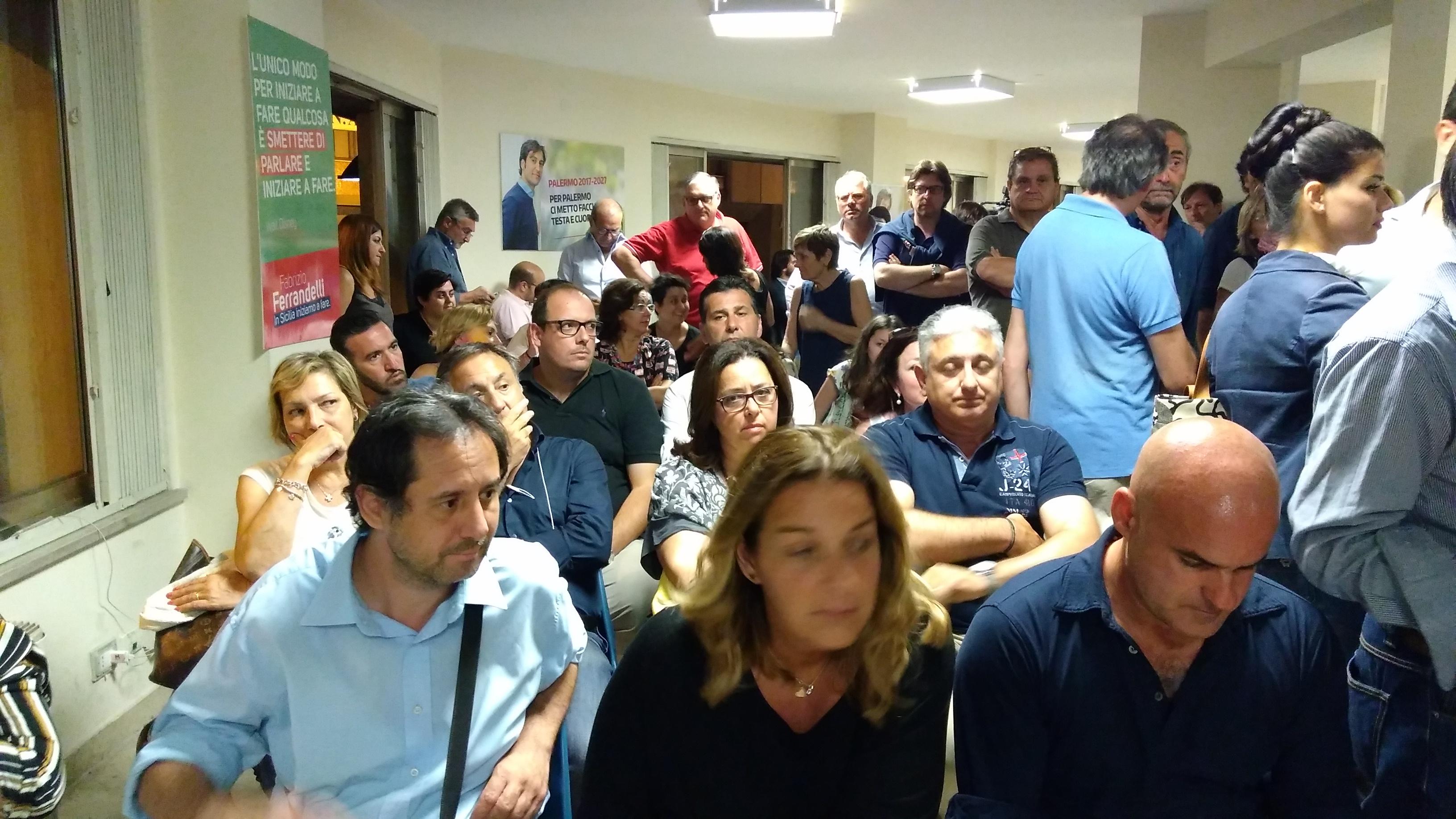 Amministrative 2017, M5S fuori da tutti i grandi ballottaggi. Palermo, Orlando rieletto
