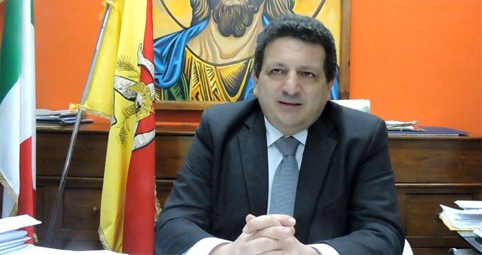 Indagato il sindaco di cefal obbligo di firma per for Ufficio decoro urbano messina