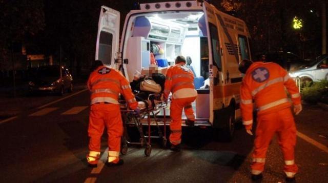 Cucciago, auto precipita dal viadotto e cade sulla ferrovia: travolta dal treno