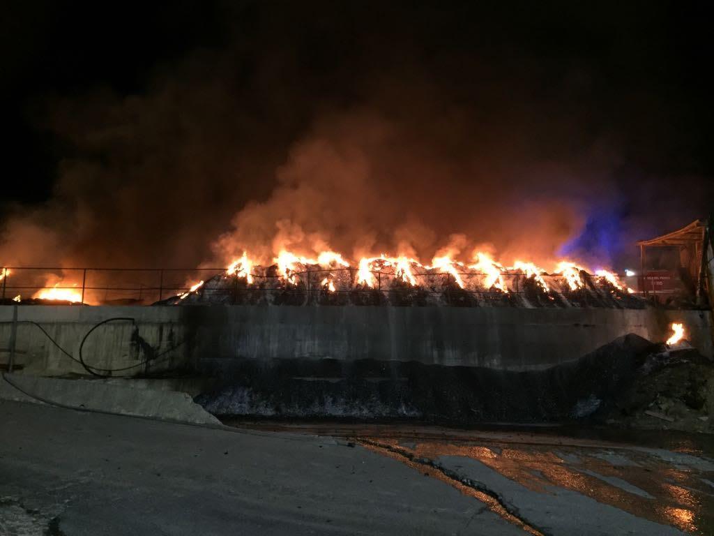 Emergenza incendi, vigili del fuoco in stato di agitazione: