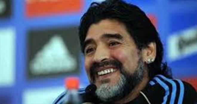 Cittadinanza onoraria a Maradona, centinaia gli agenti in piazza del Plebiscito