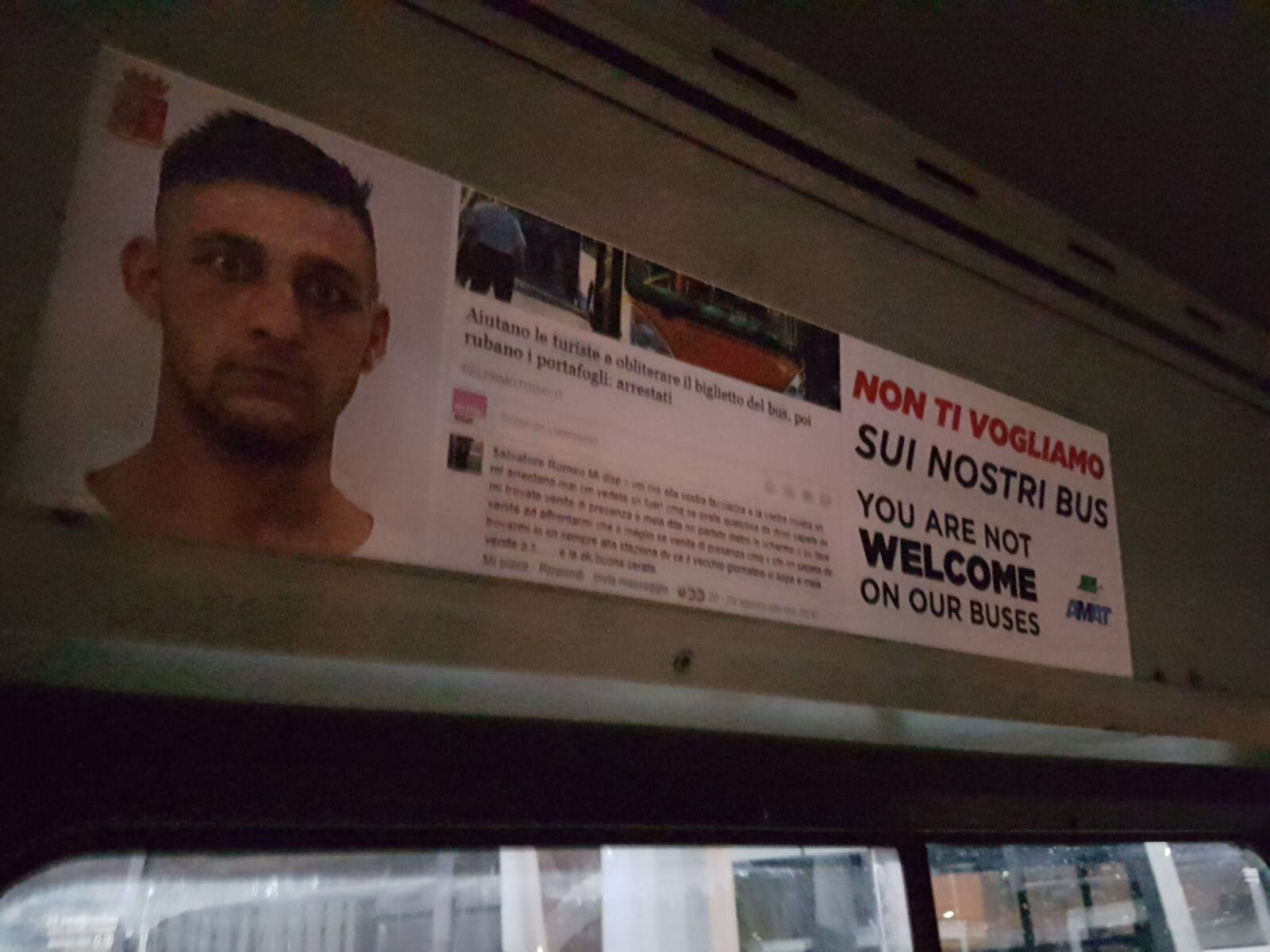 Palermo, manifesti sugli autobus urbani contro