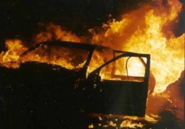 Giallo ad Ameglia, ritrovati due corpi carbonizzati in auto