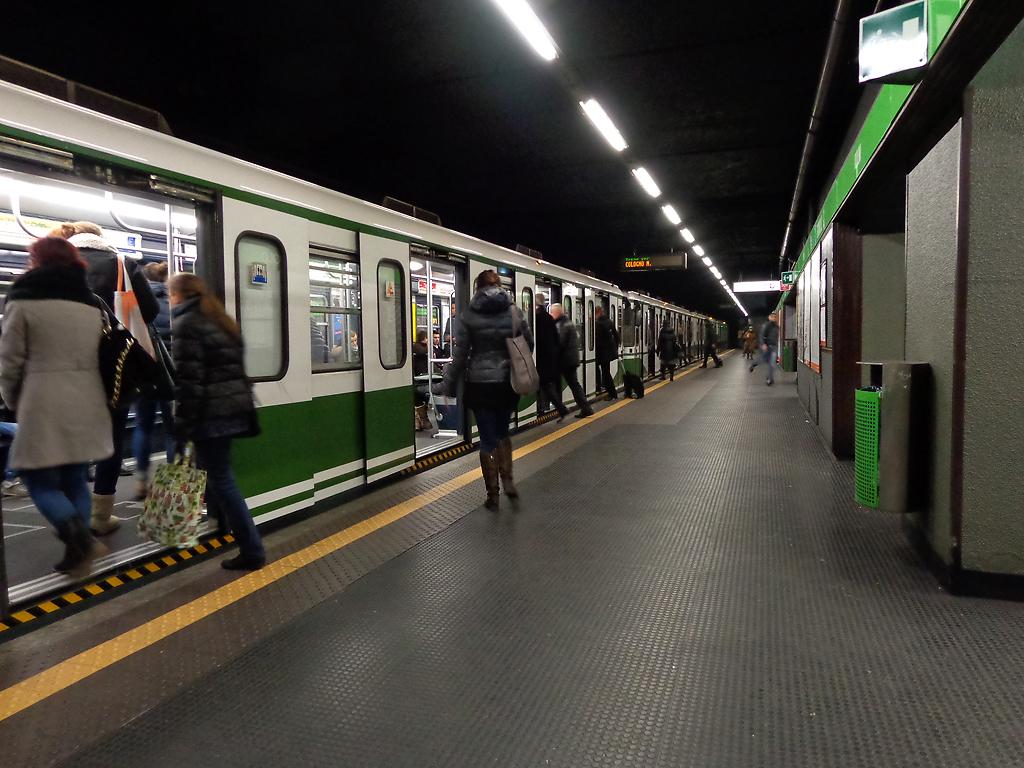 Metrò, deraglia un treno della linea verde: paura ma nessun ferito