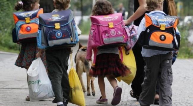 Finisce in rissa tra i genitori la recita degli scolari