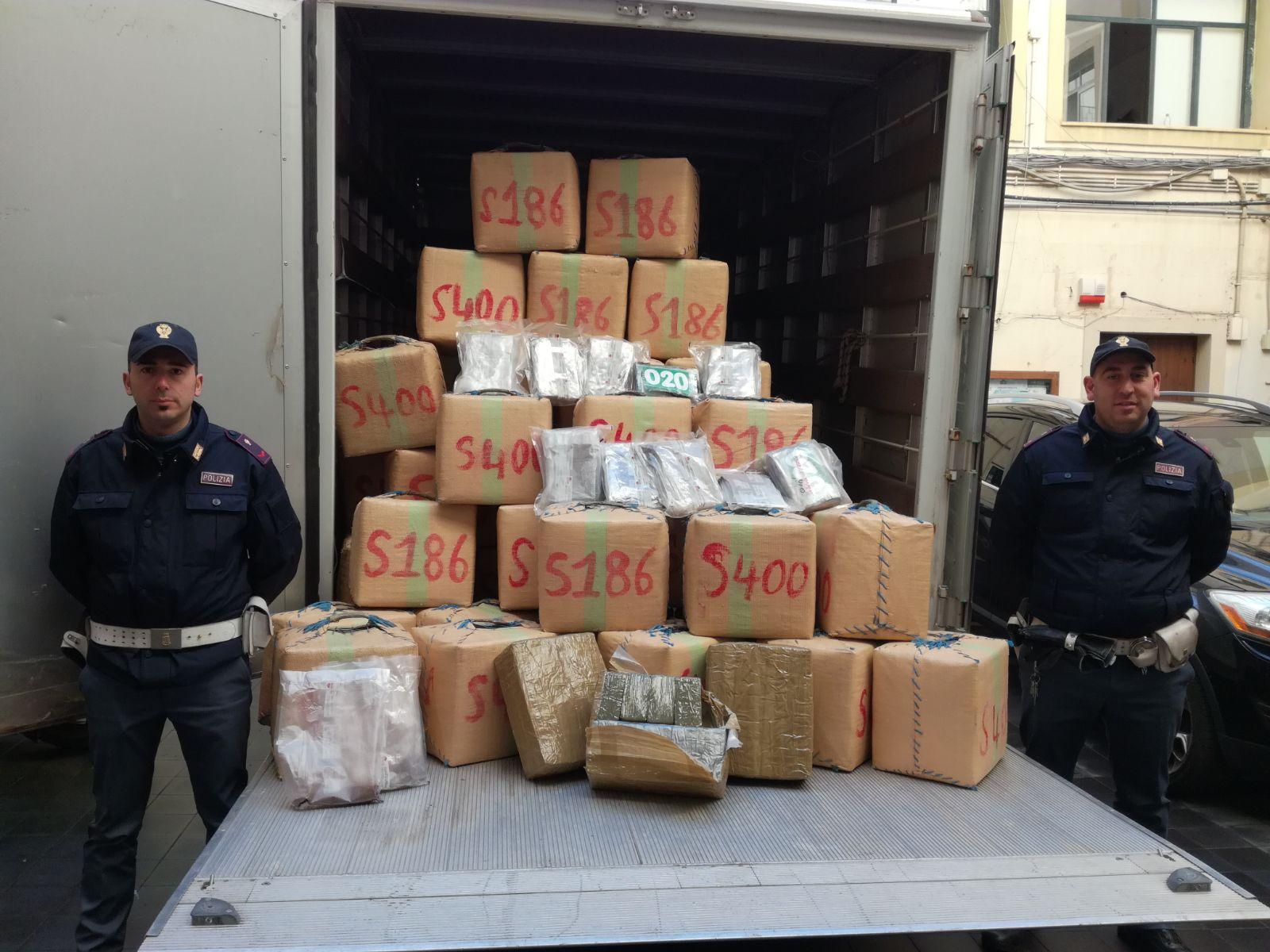 Carini, scoperti in un'azienda 1.500 chili di doga: tre arresti