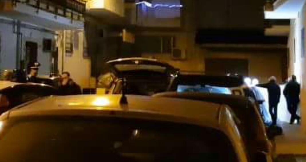 60enne muore dopo lite per un parcheggio: colpito da malore