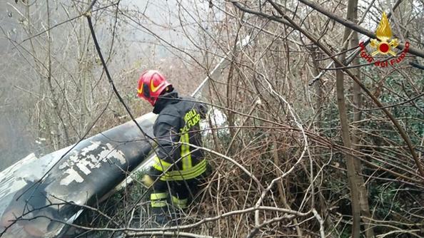 Verona, aereo biposto precipita al suolo: due morti