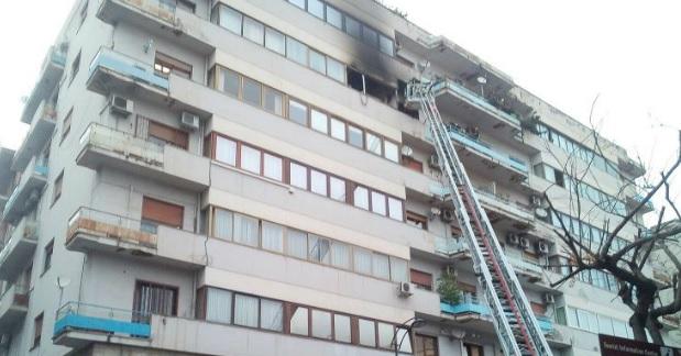 Paura in via Marighetto, principio di incendio in un appartamento