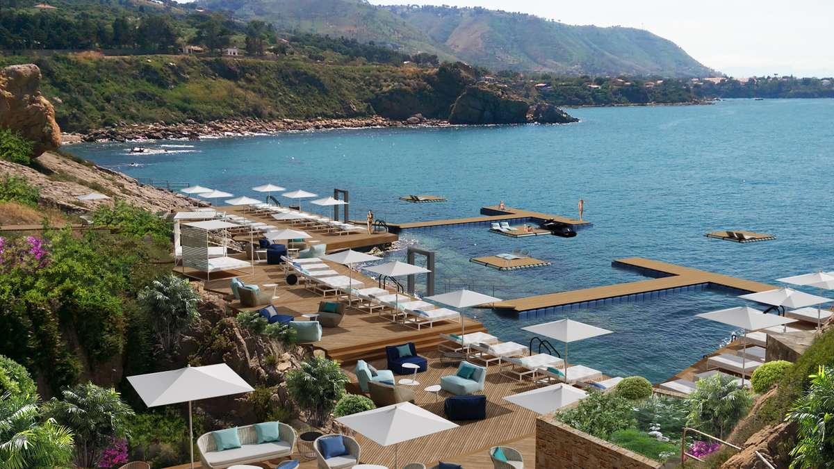 Chiedono la riassunzione, la protesta degli ex dipendenti del Club Med