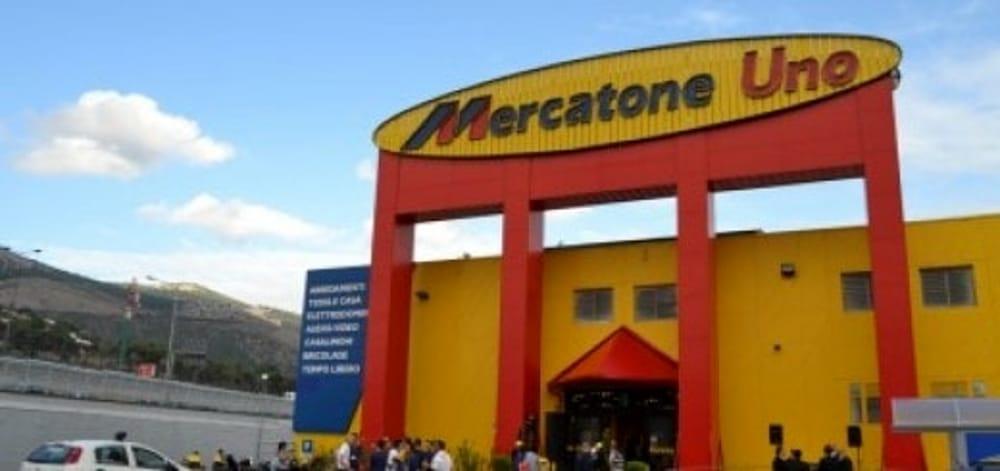Chiudono gli store mercatone uno senza lavoro 48 persone a for Mercatone uno palermo camerette