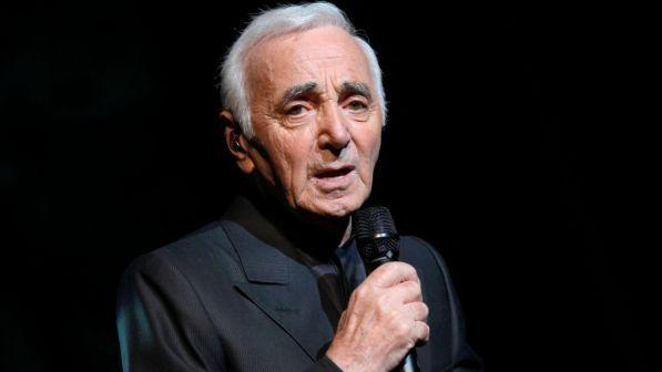 Il cantante francese Charles Aznavour è morto a 94 anni